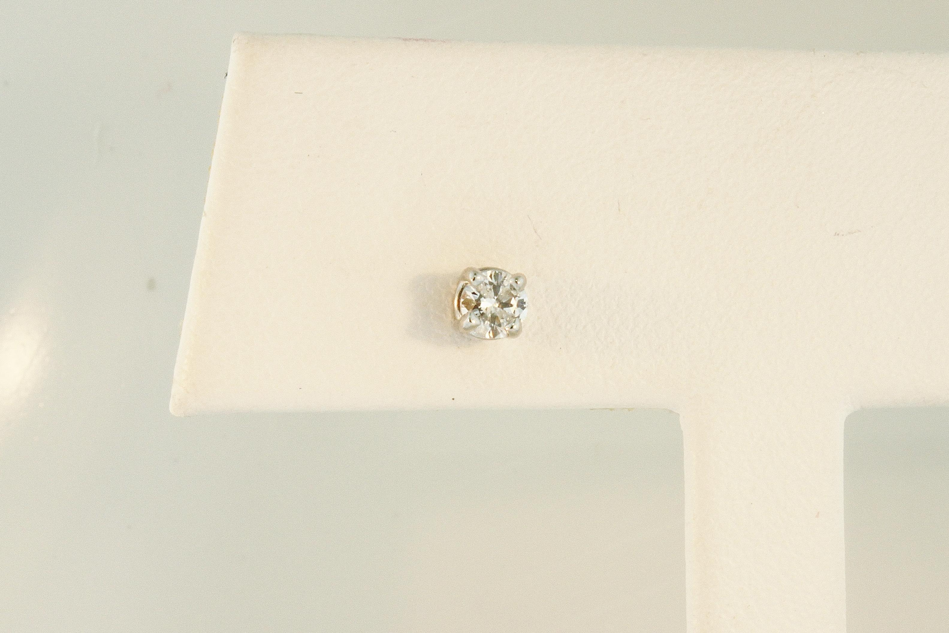 7b8b00225f5615 Estate Diamond Earring